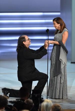 Glenn Weiss proposing to his partner Jan Svendsen on stage.