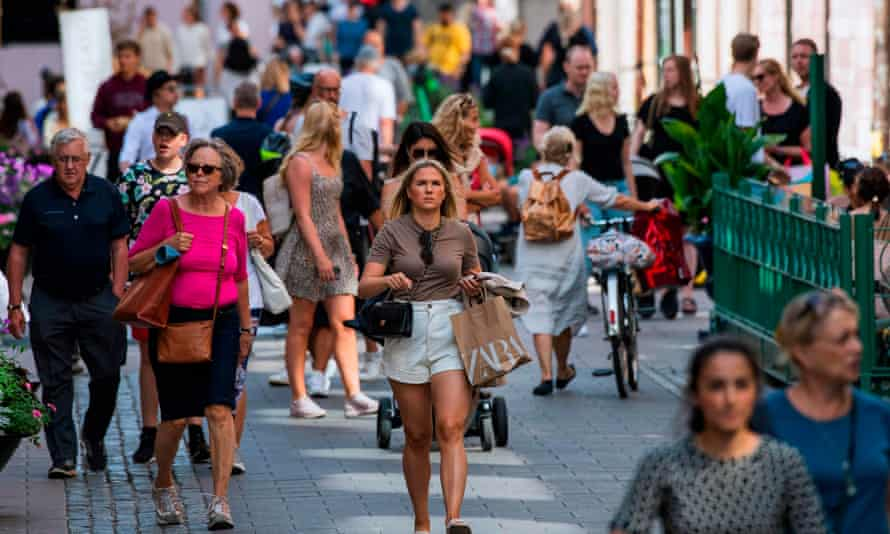 Central Stockholm busy with shoppers in July 2020