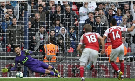 Aubameyang fluffs late Arsenal penalty to hand Spurs controversial draw 99d4bcd17b5e0