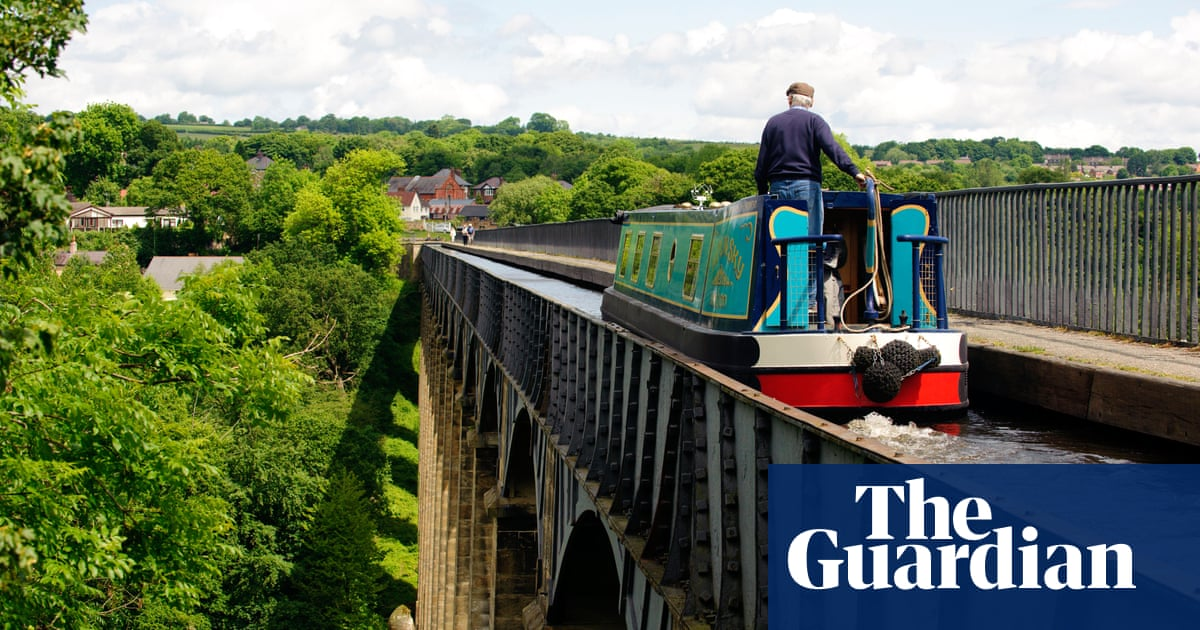 Share your tips and advice for canal holidays