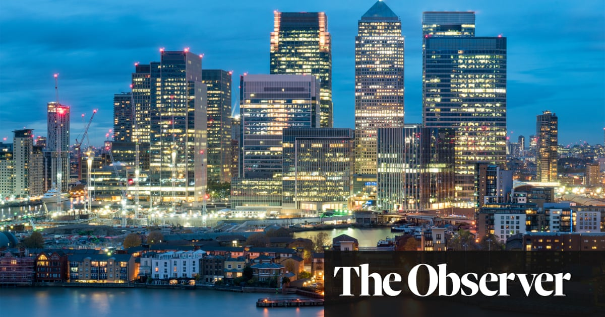 Canary Wharf: life in the shadow of the towers   Jane Martinson
