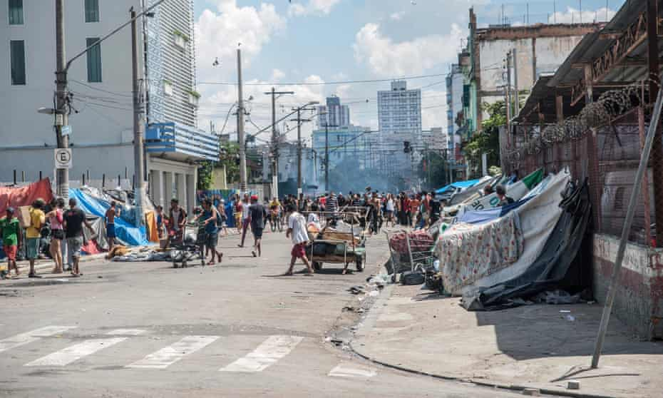 Police enter Cracolândia in February.
