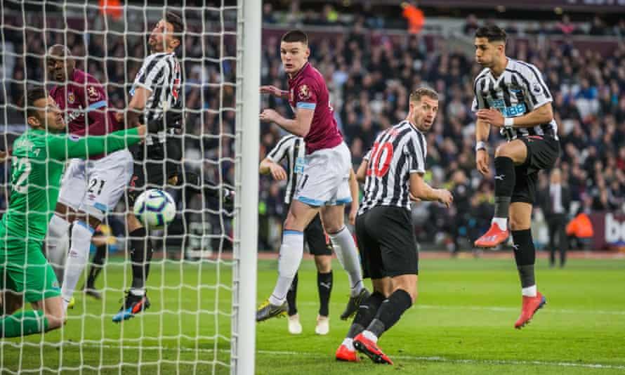 Declan Rice scores for West Ham v Newcastle