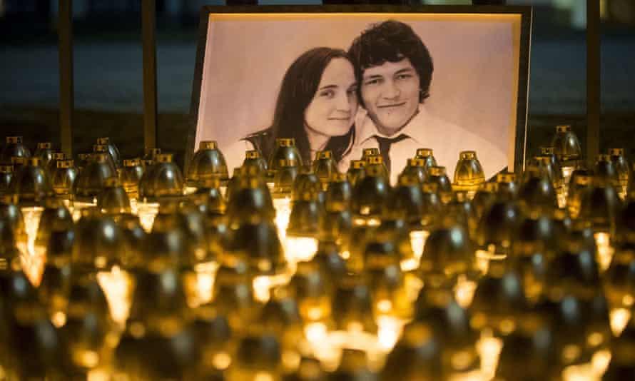 Light tributes to Ján Kuciak and Martina Kušnírová in Bratislava
