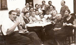 A family photo from the 1930s