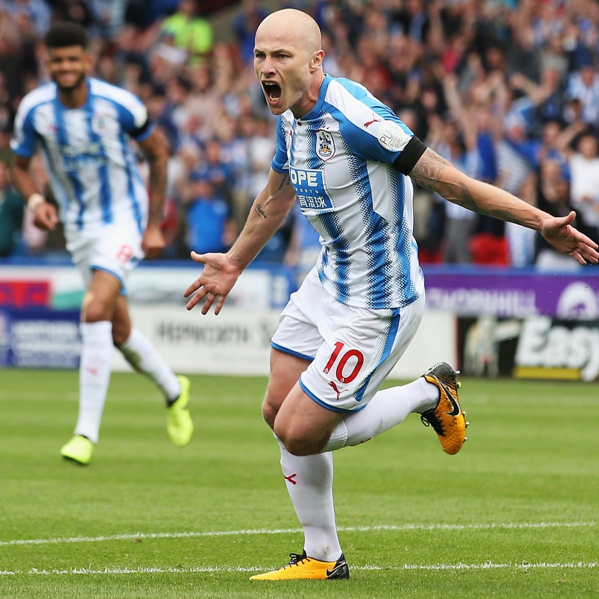 Aaron Mooy A Modern Success Story For Huddersfield And Manchester City Huddersfield The Guardian