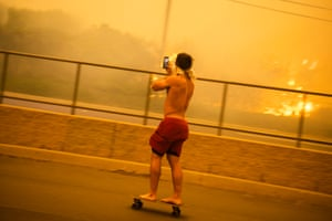 California wildfire: 'Oh my gosh bro, this is crazy'