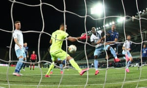 José Luis Palomino heads the winning goal for Atalanta as they came from 2-0 down to beat Lazio