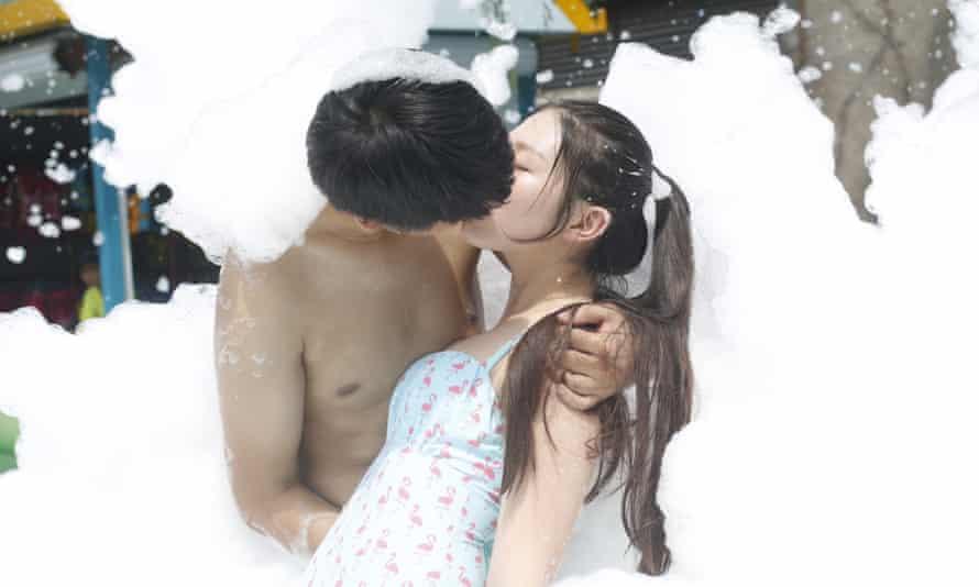Kissing right