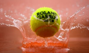 The weather conditions at Roland Garros could rule out any play today.