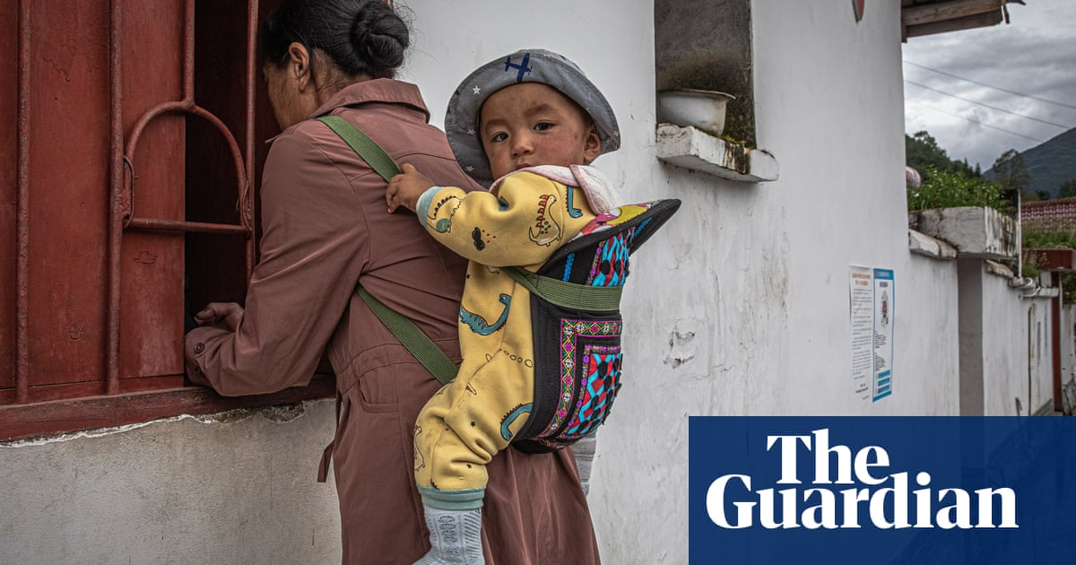 'Poverty divides us': gap between rich and poor poses threat to China