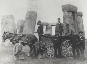 Men with horse and cart at Stonehenge in 1980.