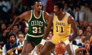Bob McAdoo competes for the Lakers during the 1985 NBA finals