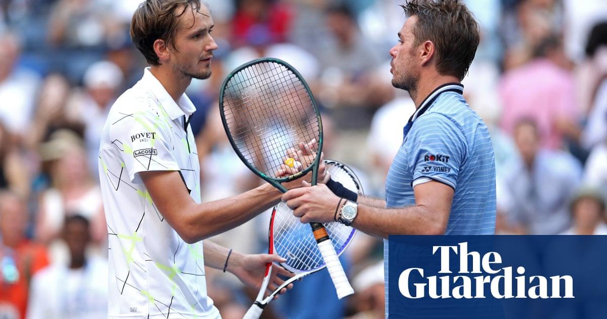 Daniil Medvedev uses boos to beat Stan Wawrinka and reach semi-finals