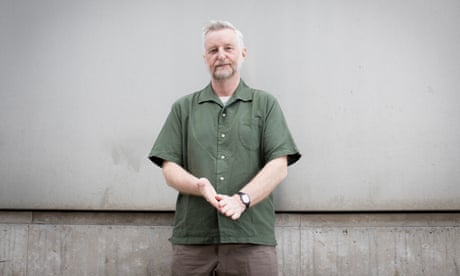 Billy Bragg: 'I love my country and I don't want it to make an absolute fool of itself'