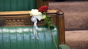 Jo Cox shootingA white and red rose lie on Jo Cox's empty seat in the House of Commons, London, as MPs gather to pay tribute to her. PRESS ASSOCIATION Photo. Picture date: Monday June 20, 2016. See PA story POLITICS MP. Photo credit should read: PA Wire