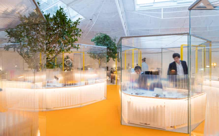Meet me in the polygon! … the workpods at Holland Park.