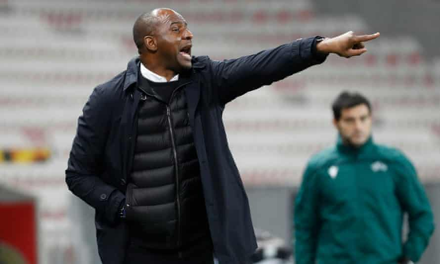 Patrick Vieira gestures during a game between Nice and Bayer Leverkusen in December 2020.
