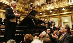 -<br>Alfred Brendel at his last public concert at Vienna's Musikverein, in December 2008