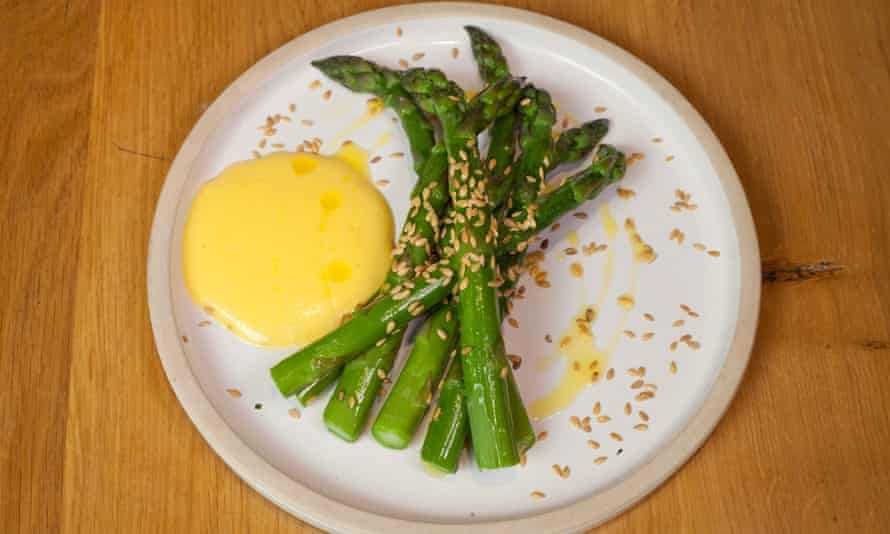 'The star of the show, spears of asparagus of the deepest green': asparagus and hollandaise