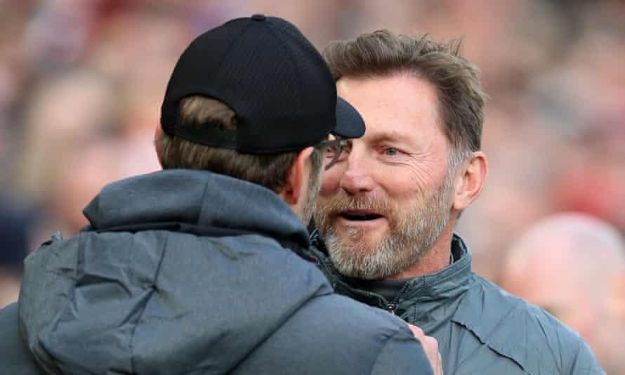 Ralph Hassenhüttl and Jürgen Klopp talk after Liverpool v Southampton in February 2020.