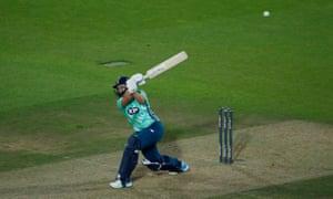 Oval Invincibles' Dane van Niekerk hits the winning runs.