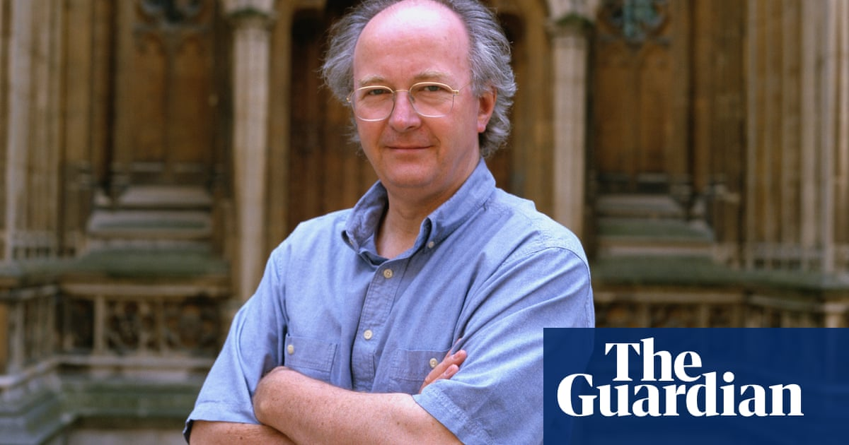 Society of Authors distances itself from Philip Pullman's tweets