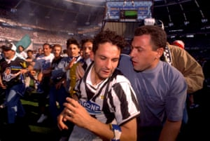 f25409e17 Roberto Baggio celebrates after Juventus beat Parma to clinch the Serie A  title for the first