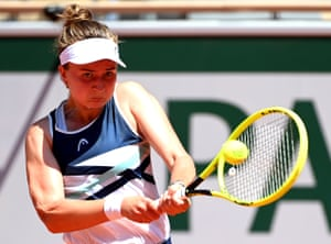 Barbora Krejcikova in control against Coco Gauff.