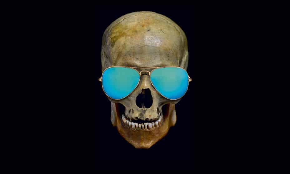 Skull in sunglasses