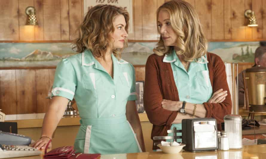 Peggy Lipton, right, with Madchen Amick in Twin Peaks.