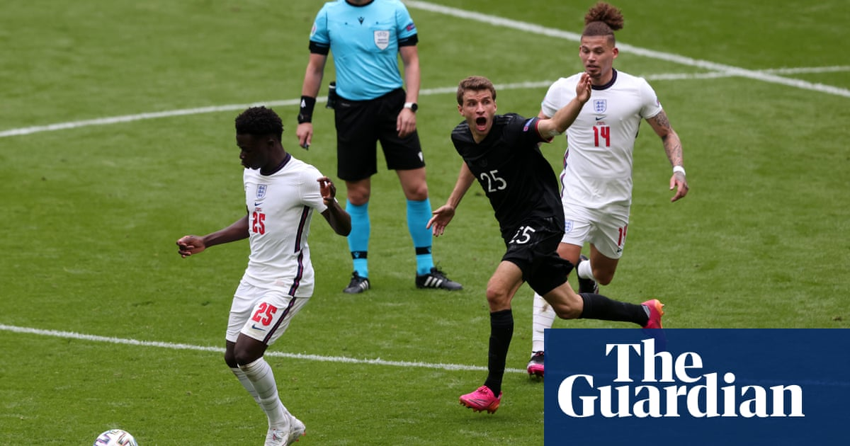 Flexible England win battle for the centre ground in collective triumph