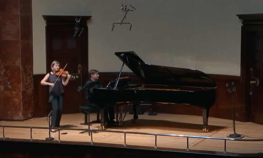 Alina Ibragimova performing at the Wigmore Hall in June 2020 (with pianist Kristian Bezuidenhout)