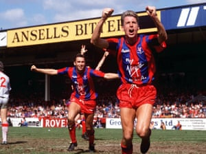 Palace's Alan Pardew (right) celebrates after heading the winner in extra-time.