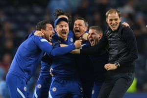 Chelsea manager Thomas Tuchel and backroom staff celebrate.