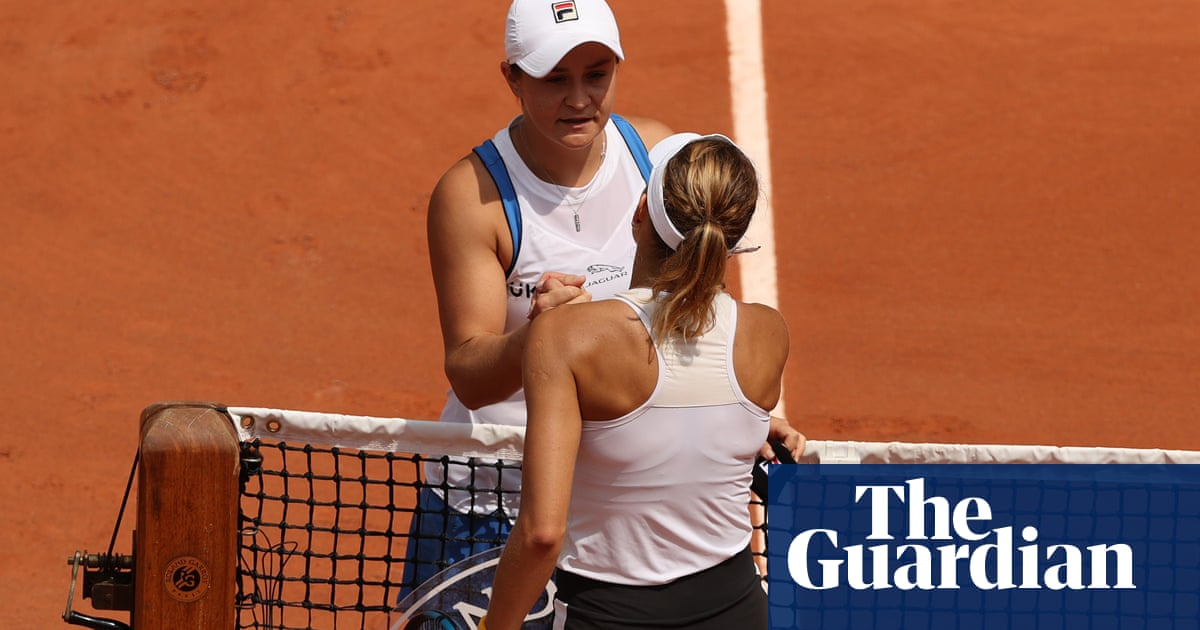 French Open: world No 1 Ash Barty retires from tournament with hip injury