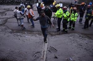 People flee El Rodeo village