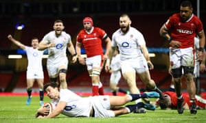 Ben Youngs of England dives over to score their side's second try.