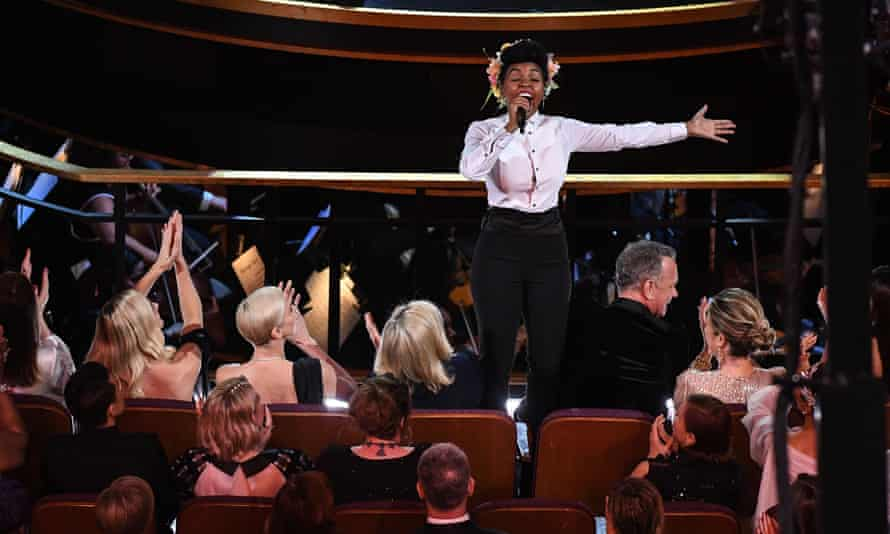 Monae engages the front row – including Tom Hanks – in an awkward call-and-response section of her song