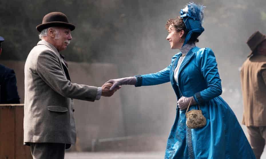 Charlie Utter (Dayton Callie) and Alma Garrett (Molly Parker) reunite.