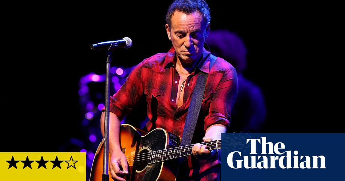 Bruce Springsteen And The E Street Band Review Theres No Stopping