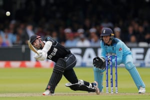 Kane Williamson, in at number three, fired 30 off 53 balls