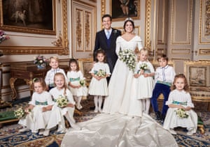 This time just the kids. Princess Eugenie and Jack Brooksbank with, left to right: Back row: Prince George of Cambridge, Princess Charlotte of Cambridge, Theodora Williams, Isla Phillips, Louis De Givenchy. Front row: Mia Tindall, Savannah Phillips, Maud Windsor