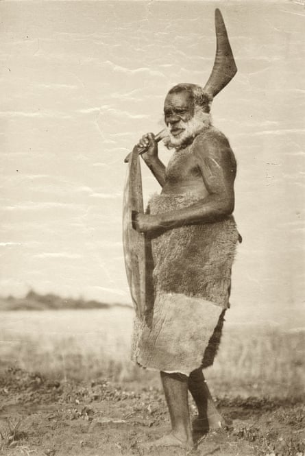 The attached image shows Aboriginal people who may have died, which may cause sadness and distress to their relatives. King Tommy Walker, Aboriginal man.