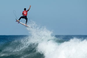 Sydney, AustraliaGabriel Medina of Brazil surfs during the Round of 16 in the Rip Curl Narrabeen Classic at Narrabeen Beach