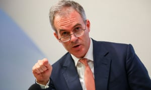 Ben Broadbent of the Bank of England says investors will cancel UK projects under a no-deal Brexit