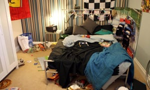 teenagers messy bedroom
