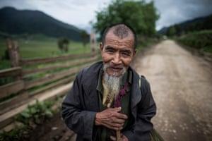 Kahengpa Apa, a farmer in the Phobjikha Valley