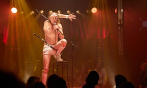 A comment on the absurdity of all outlandish human endeavour … Captain Frodo at La Soirée.
