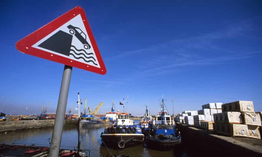 A warning sign at the port of Hull.
